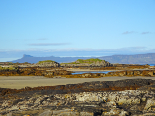 Day 2 Invercaimbe beach and Eigg